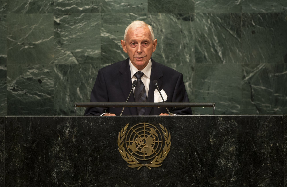 William Lacy Swing, Director General of the International Organization for Migration (IOM) addresses the opening segment of the United Nations high-level summit on large movements of refugees and migrants.