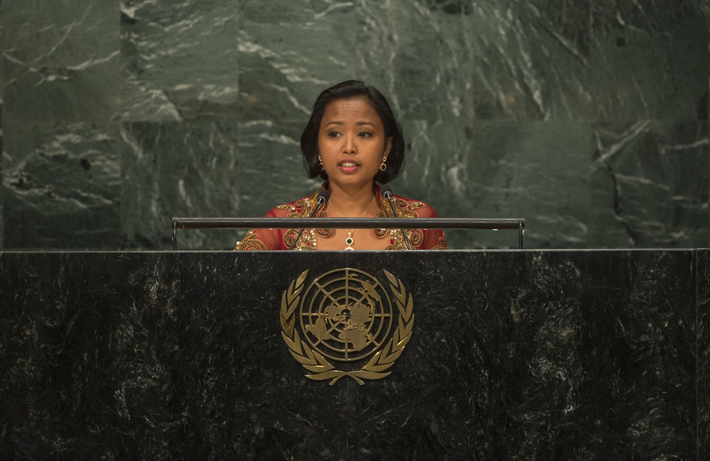 Eni Lestari Andayani Adi (Indonesia), Chairperson of the International Migrants Alliance (IMA), addresses the opening segment of the United Nations high-level summit on large movements of refugees and migrants